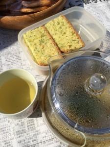 パセリ茶とパセリケーキ